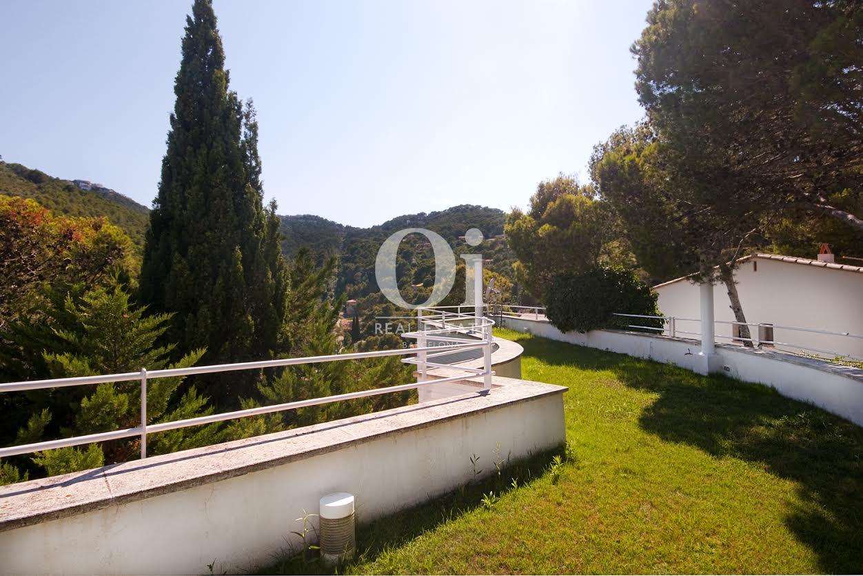 Schöne Aussicht in Luxus-Villa zum Kauf in Sa Tuna an der Costa Brava