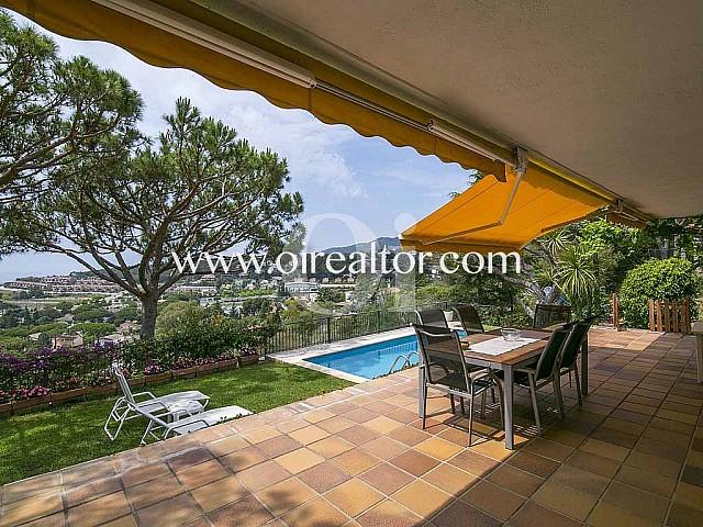 Продается дом с великолепными видами в Cabrils, Maresme