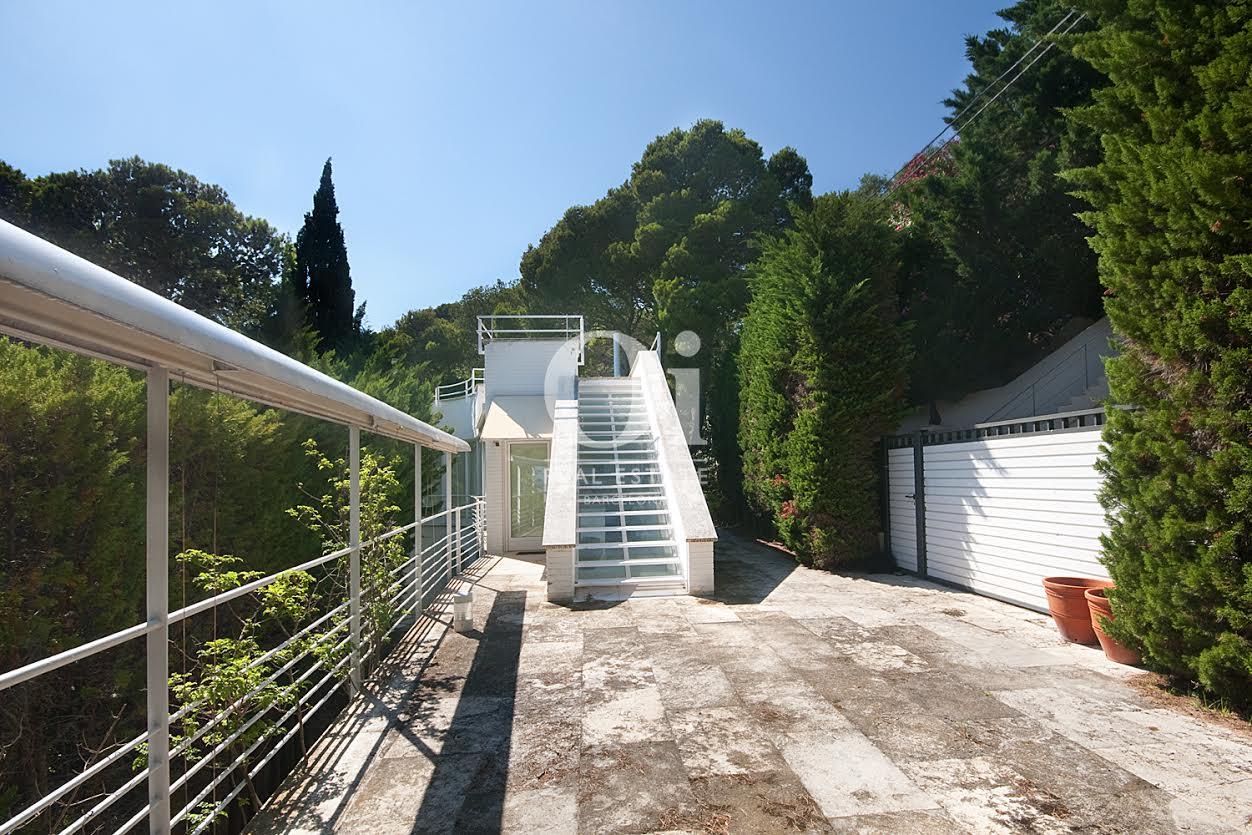 Garten in Luxus-Villa zum Kauf in Sa Tuna an der Costa Brava