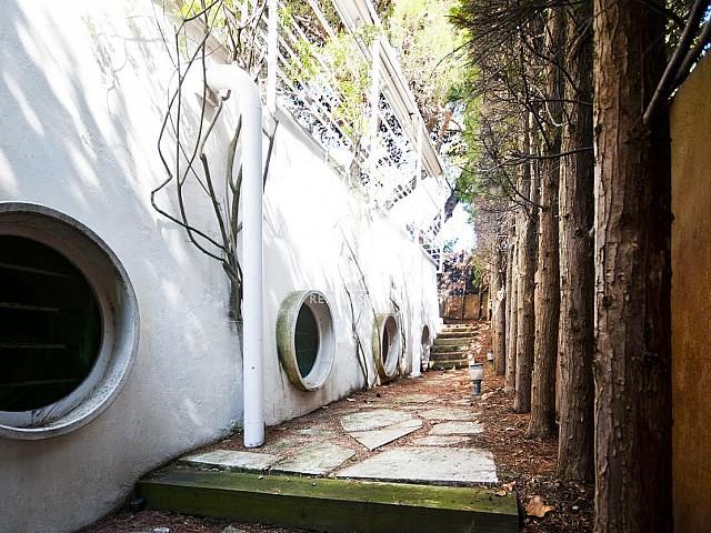 Beau jardin dans une maison de luxe en vente à Barcelone