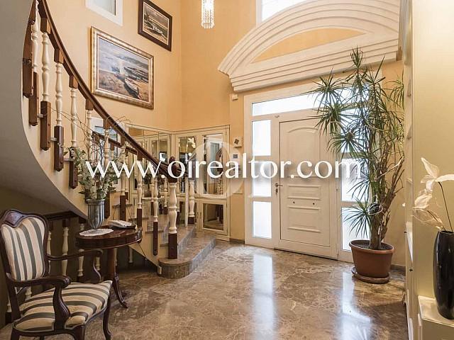 Großes Einfamilienhaus zum Verkauf in Alella, Maresme