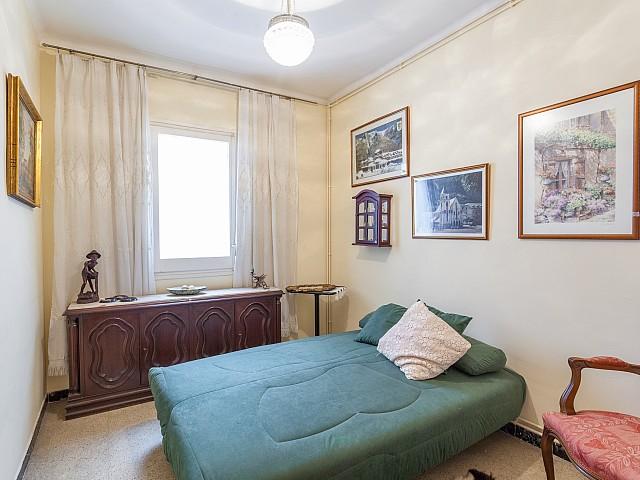Chambre double lumineuse dans un luxueux appartement en vente à Barcelone