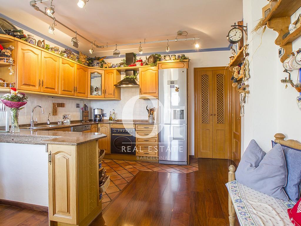 Продается отдельный дом в привилегированном анклаве в Кастельдефельс