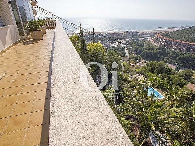 Propriété de rêve avec vues sur la mer de la côte de Barcelone