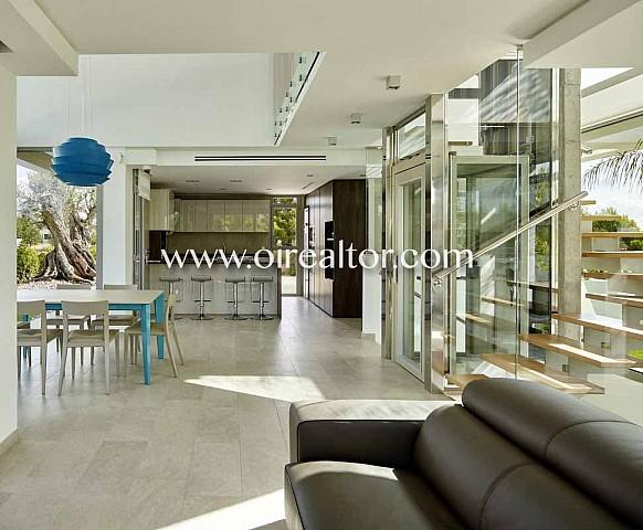 Maison sensationnelle design en vente à L'Amettla de Mar, Tarragone