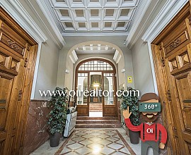 Modernist apartment for sale located in a historic building in the Eixample Dreta