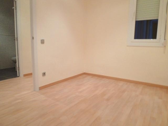 Вид комнаты в отремонтированной квартире в аренду в Барселоне, Эшампле