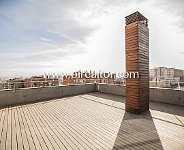 Продается шикарный пентхаус-дуплекс в Грасия, Барселона