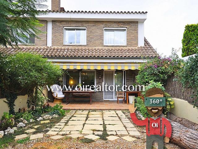 Acogedora casa adosada en venta en Cabrera de Mar, Maresme