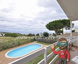 Casa en venta a cuatro vientos con bonitas vistas al mar en Arenys de Mar