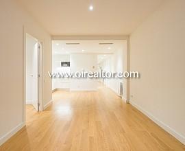 Продаются дизайнерские апартаменты в Эшампле Эскерра, Барселона