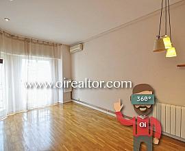 Espacioso piso en venta en segunda línea de mar en junto al carrer Prim, Badalona