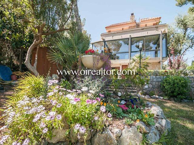 Bonita propiedad en venta estilo rústico en Urb. Bellamar, Castelldefels