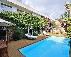 Maravillosa casa en venta con espectaculares vistas al mar en Teià, Maresme