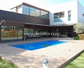 Villa de alto standig en venta en zona Castelldefels playa
