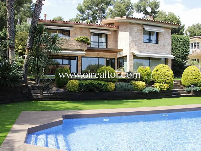 Fantástica casa en venta en la urbanización Bellamar, Castelldefels