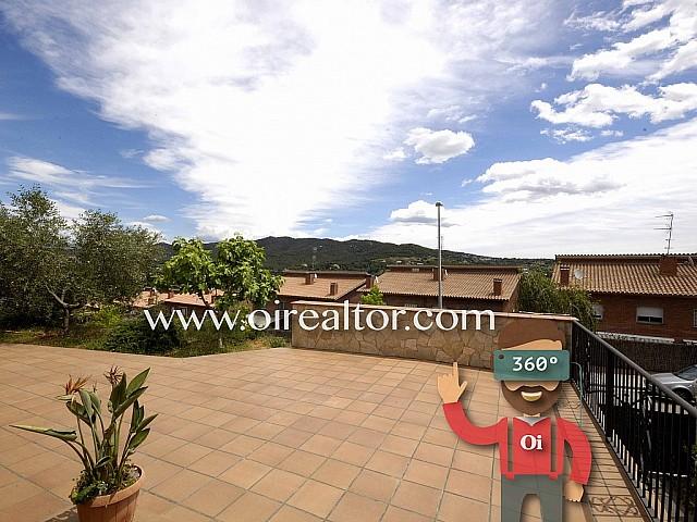 Gran casa en venta de 400 m2 con vista al mar y a la montaña en Argentona, Maresme