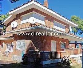 Casa en venta de estilo inglés en Castelldefels