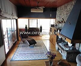 Casa en venta con espectaculares vistas en la urbanización Montemar, Castelldefels