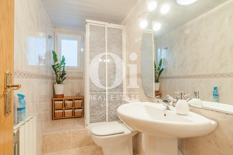Badezimmer in luxuriöser Doppelhaushälfte zum Kauf in Mongat / Tiana