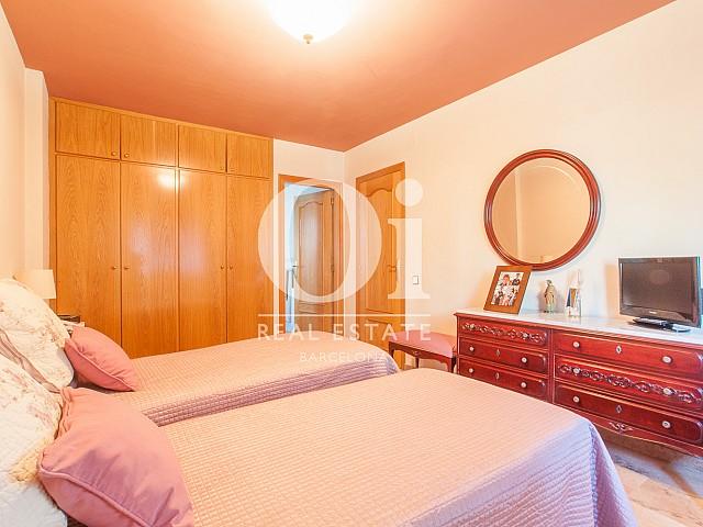 Schlafbereich in luxuriöser Doppelhaushälfte zum Kauf in Mongat / Tiana