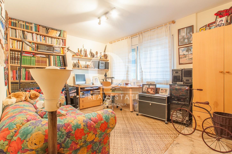 Salon cosy dans une maison en vente à Mongat