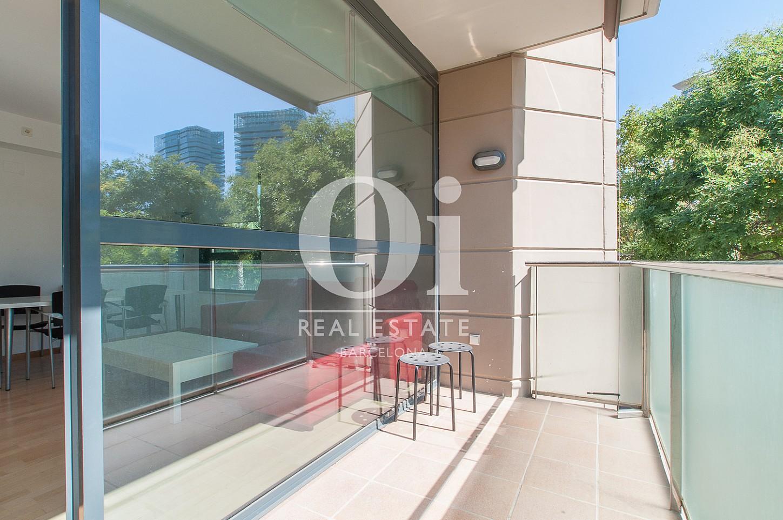 Balcon ensoleillé dans un appartement en vente à Barcelone, Diagonal Mar