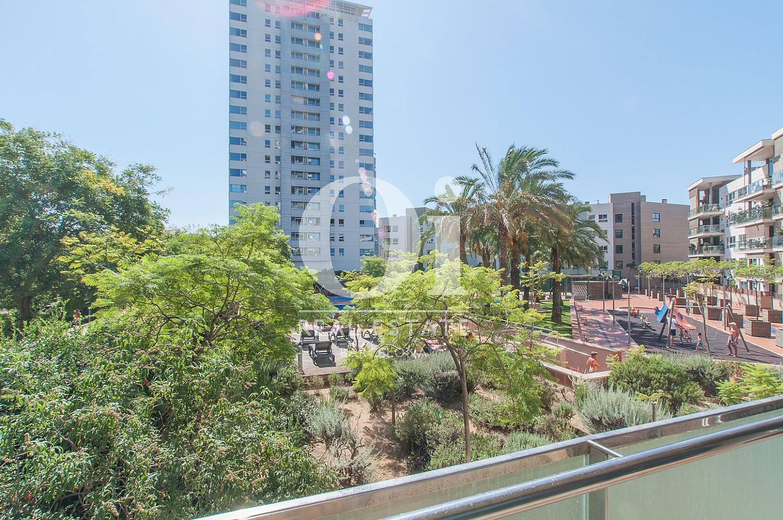 Aussicht in Luxus-Wohnung mit Pool zum Kauf in Diagonal Mar in Barcelona