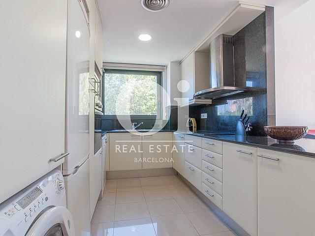 Küche in Luxus-Wohnung mit Pool zum Kauf in Diagonal Mar in Barcelona