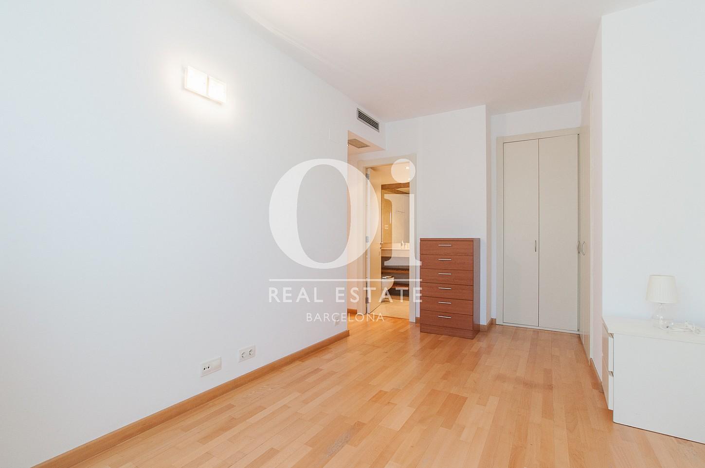 Wohnbereich in Luxus-Wohnung mit Pool zum Kauf in Diagonal Mar in Barcelona