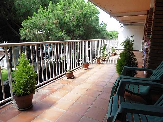 Ático en venta con espectacular terraza de 300 m2 en Gavà Mar
