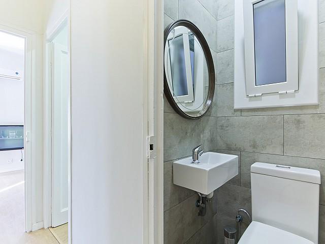 Badezimmer in Luxus-Wohnung zur Miete in der Avinguda Paral•lel im Poble Sec in Barcelona