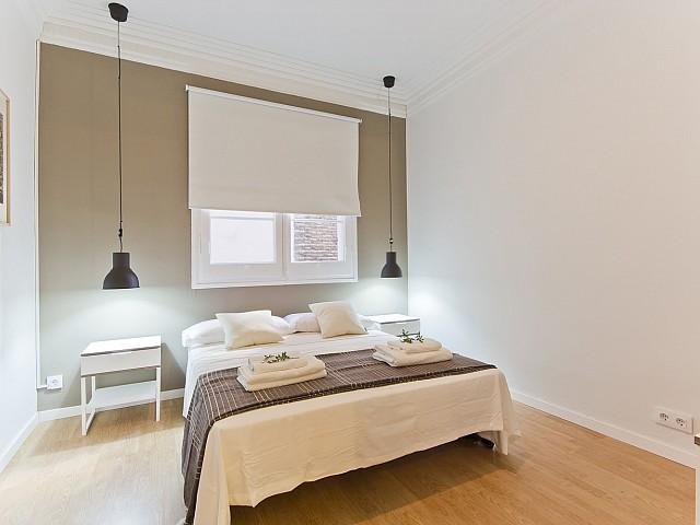 Schlafzimmer in Luxus-Wohnung zur Miete in der Avinguda Paral•lel im Poble Sec in Barcelona