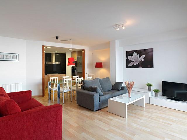 Продается квартира с туристической лицензией в центре Ситжеса