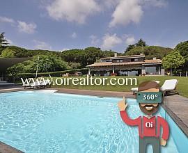 Casa unifamiliar en venta con jardín en Cabrera de Mar, Maresme
