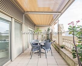 Продается роскошная квартира с террасой в Квадрат д'Ор в Эшампле Дрета