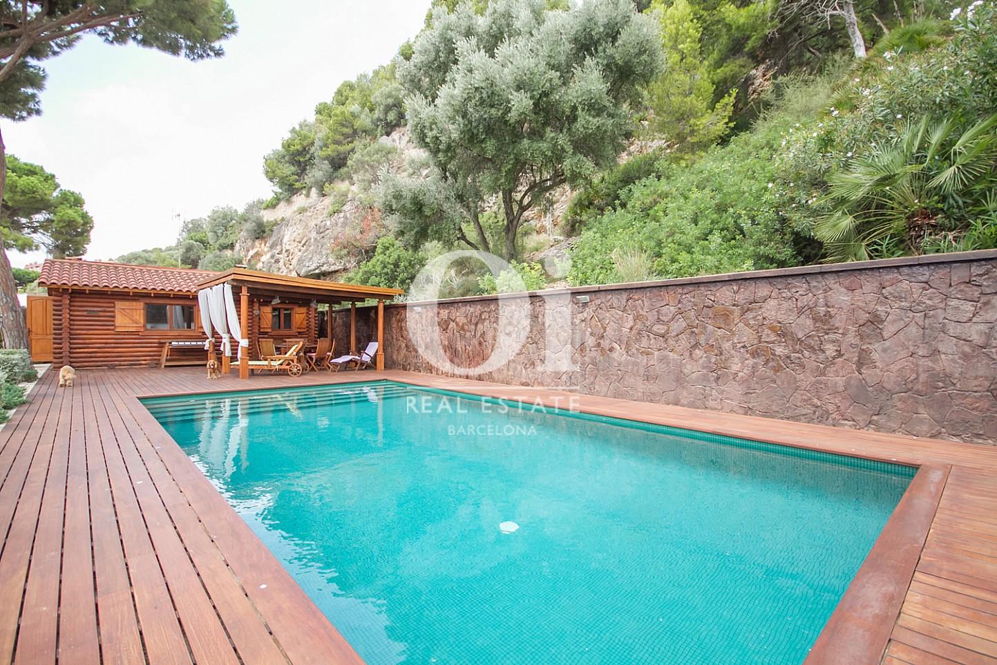 Piscina de casa en venta en Sitges