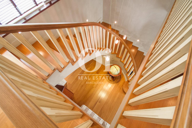 Treppe im Luxus-Anwesen zum Kauf in Sitges bei Barcelona