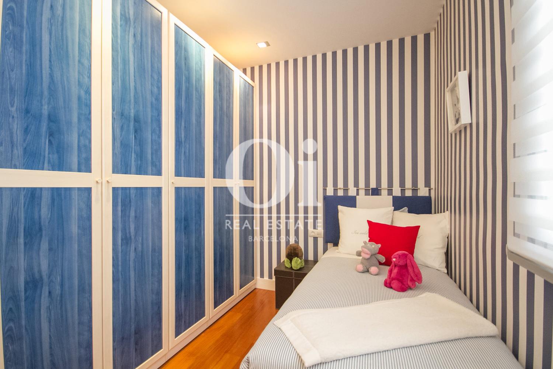Вид комнаты со встроенными шкафами в великолепном доме на продажу в Sitges