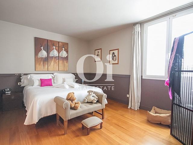 Dormitorio doble de casa en venta en Sitges