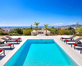 Preciosa villa con vistas y cerca de todo.  En Sa Carroca, Ibiza
