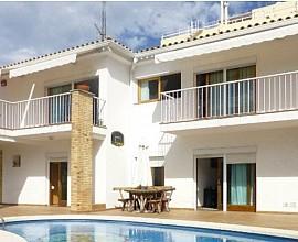 Casa en venta reformada con vistas al mar en Tossa de Mar, Costa Brava