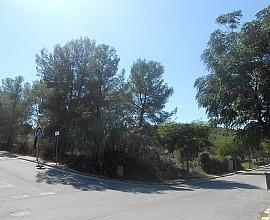 Venta de parcela de 966m2 en Urb. Mas Alba, Costa Dorada