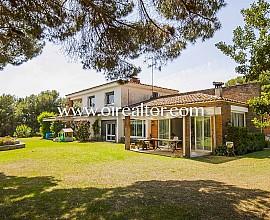 Majestuosa casa en venta con parcela de 1,5 hectáreas en Sant Andreu de Llavaneres, Maresme