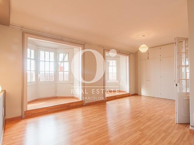 Sala de estar de piso ático en alquiler en Eixample Izquierdo, Barcelona