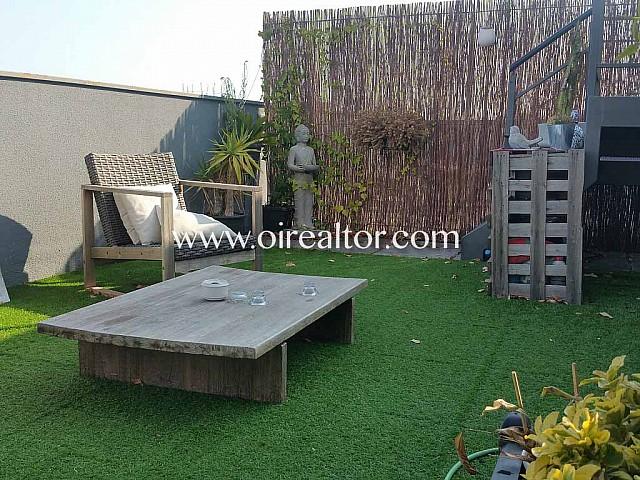 Àtic dúplex amb terrassa de 60 m2 al Poblenou, Barcelona